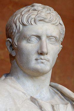 250px-Augustus_30-20BC_Louvre_Ma1278